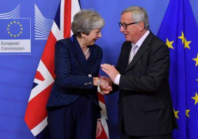Theresa May og Junker